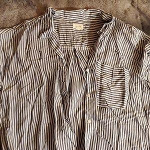 id :23 Button up shirt